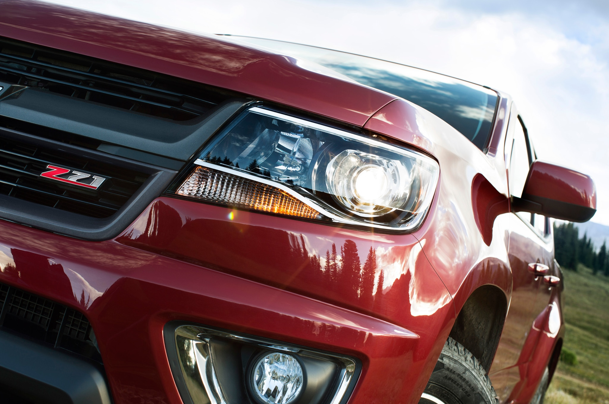 2015 Chevrolet Colorado front headlight