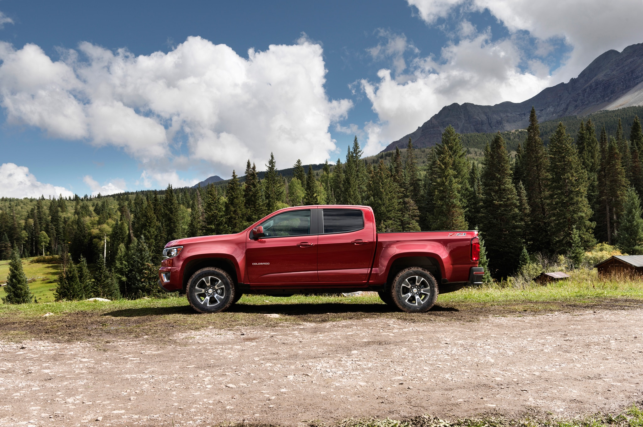 2015 Chevrolet Colorado side