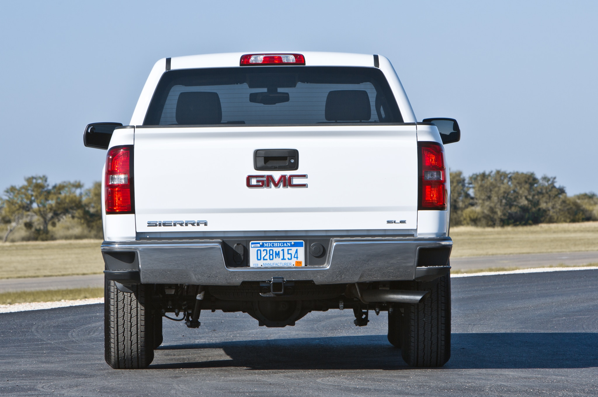 2014 GMC Sierra SLE Regular Cab rear profile