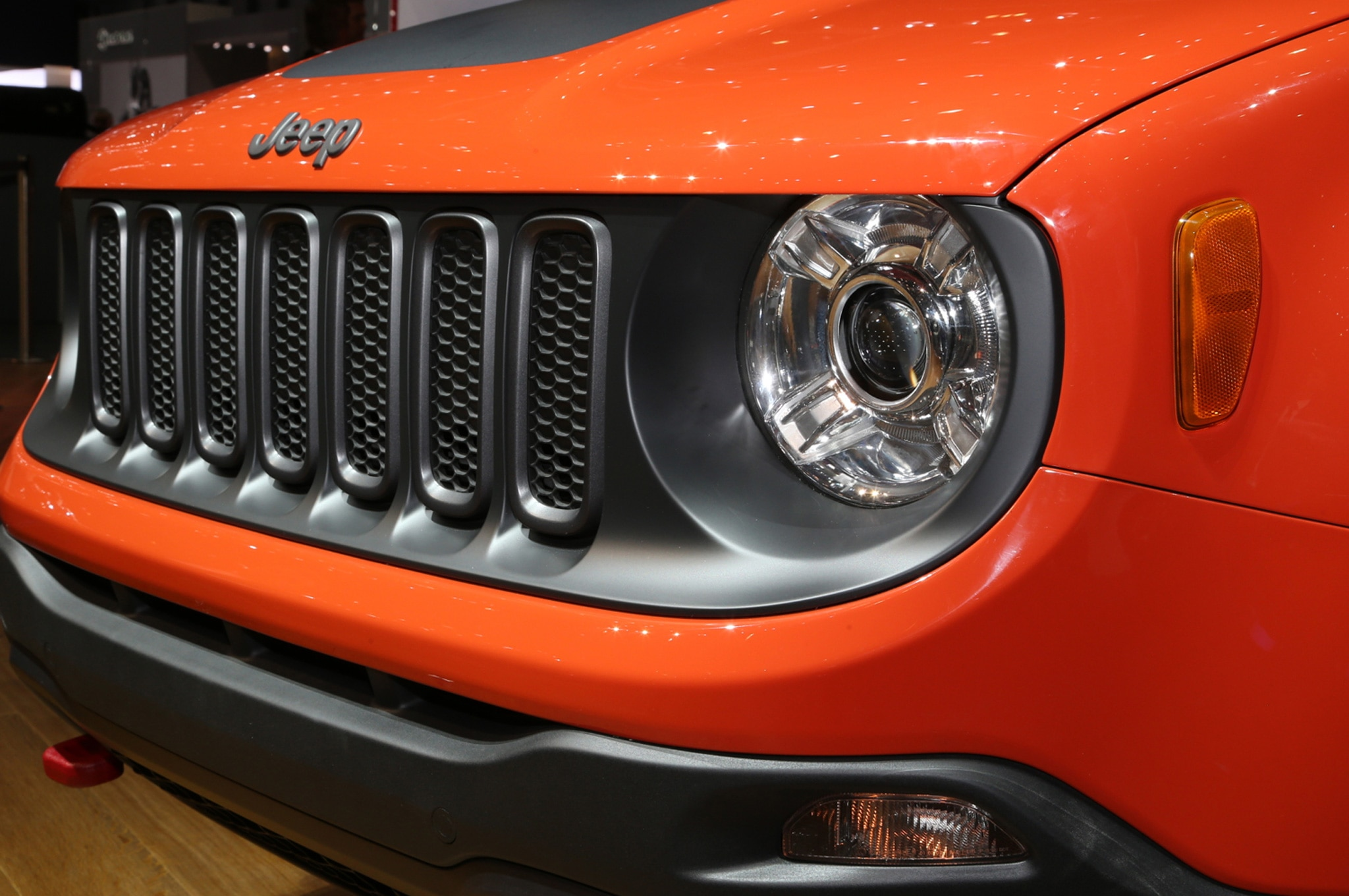 2015 Jeep Renegade Trailhawk show floor grille
