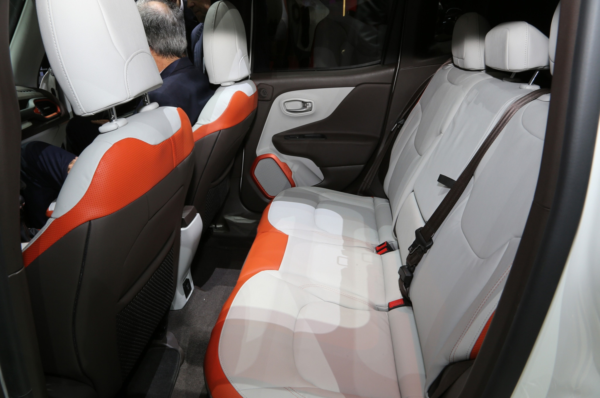 2015 Jeep Renegade Limited interior rear seat