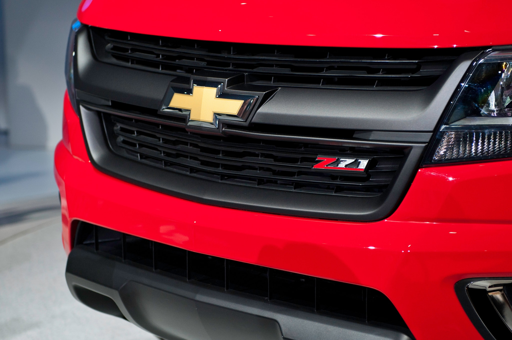 2015 Chevrolet Colorado front grille view