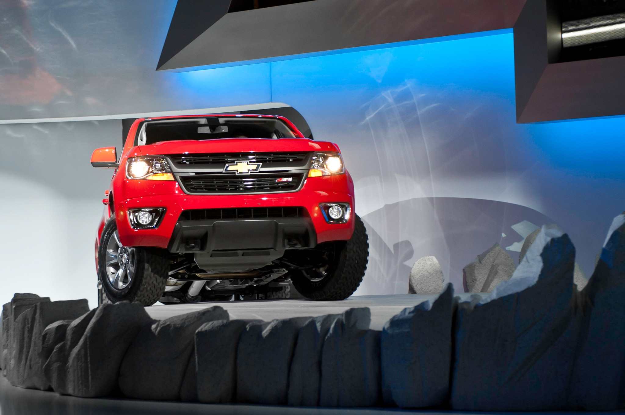 2015 Chevrolet Colorado front view