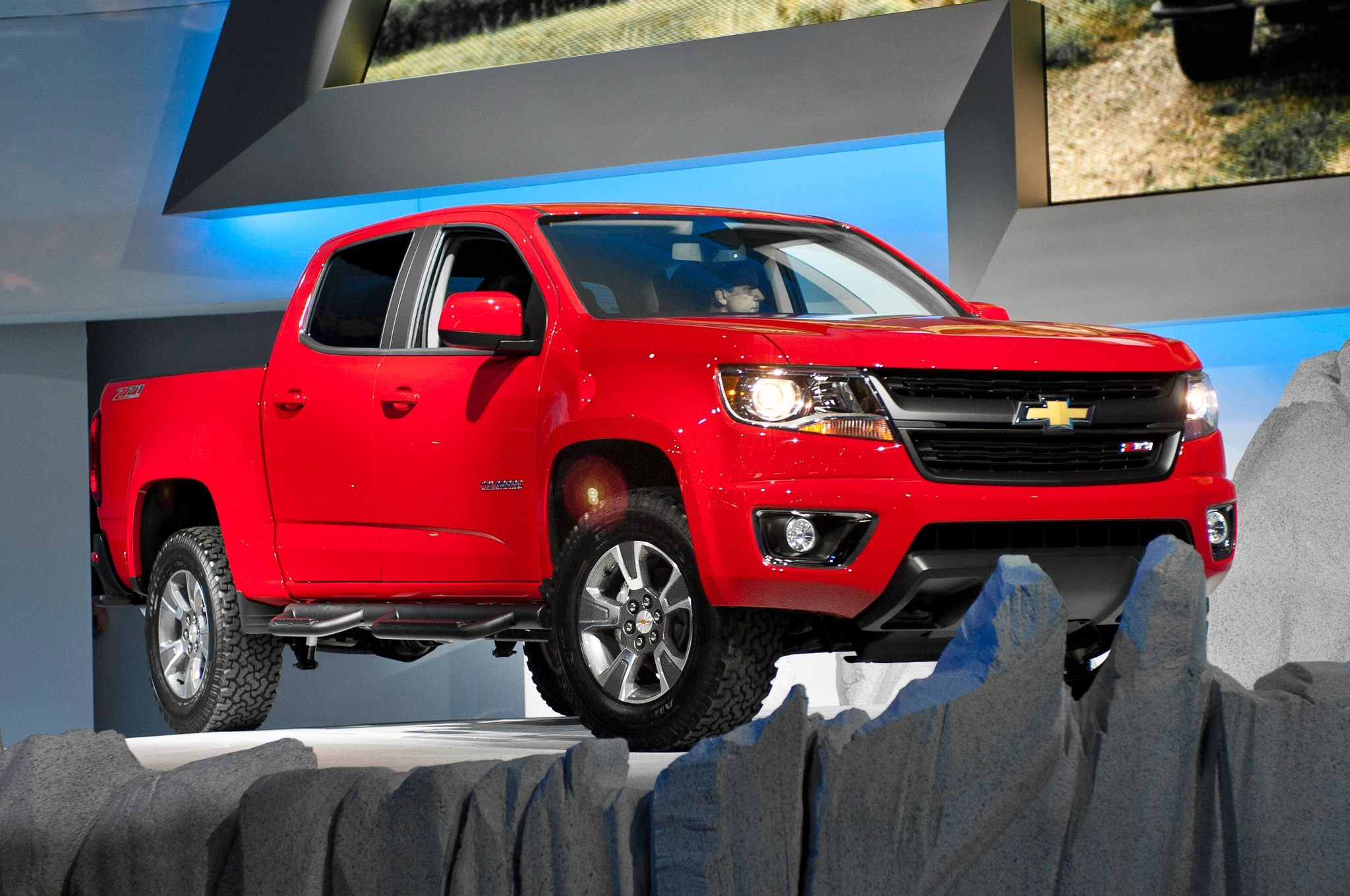 2015 Chevrolet Colorado front three quarters view
