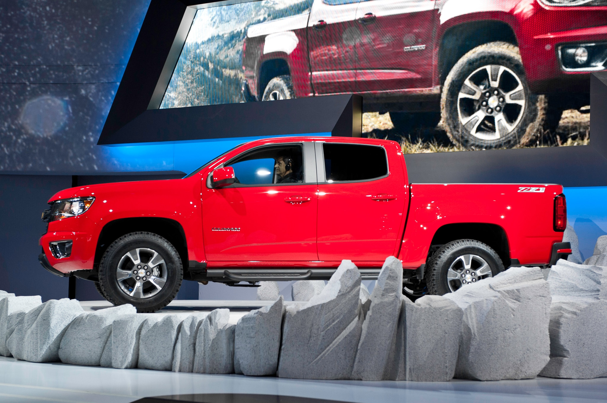 2015 Chevrolet Colorado side profile