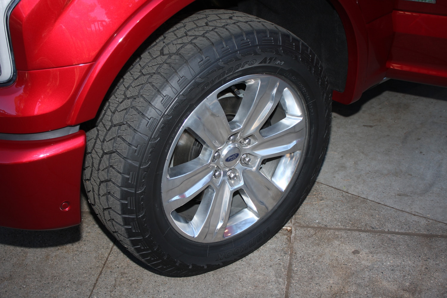 2015 Ford F150 unveiling la river 02 wheel tire