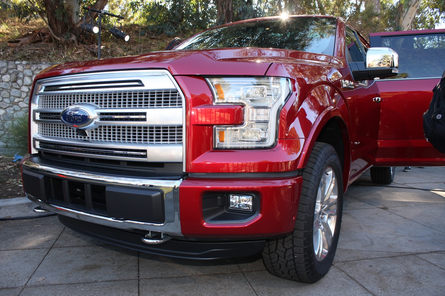 2015 Ford F150 unveiling la river 33 front end