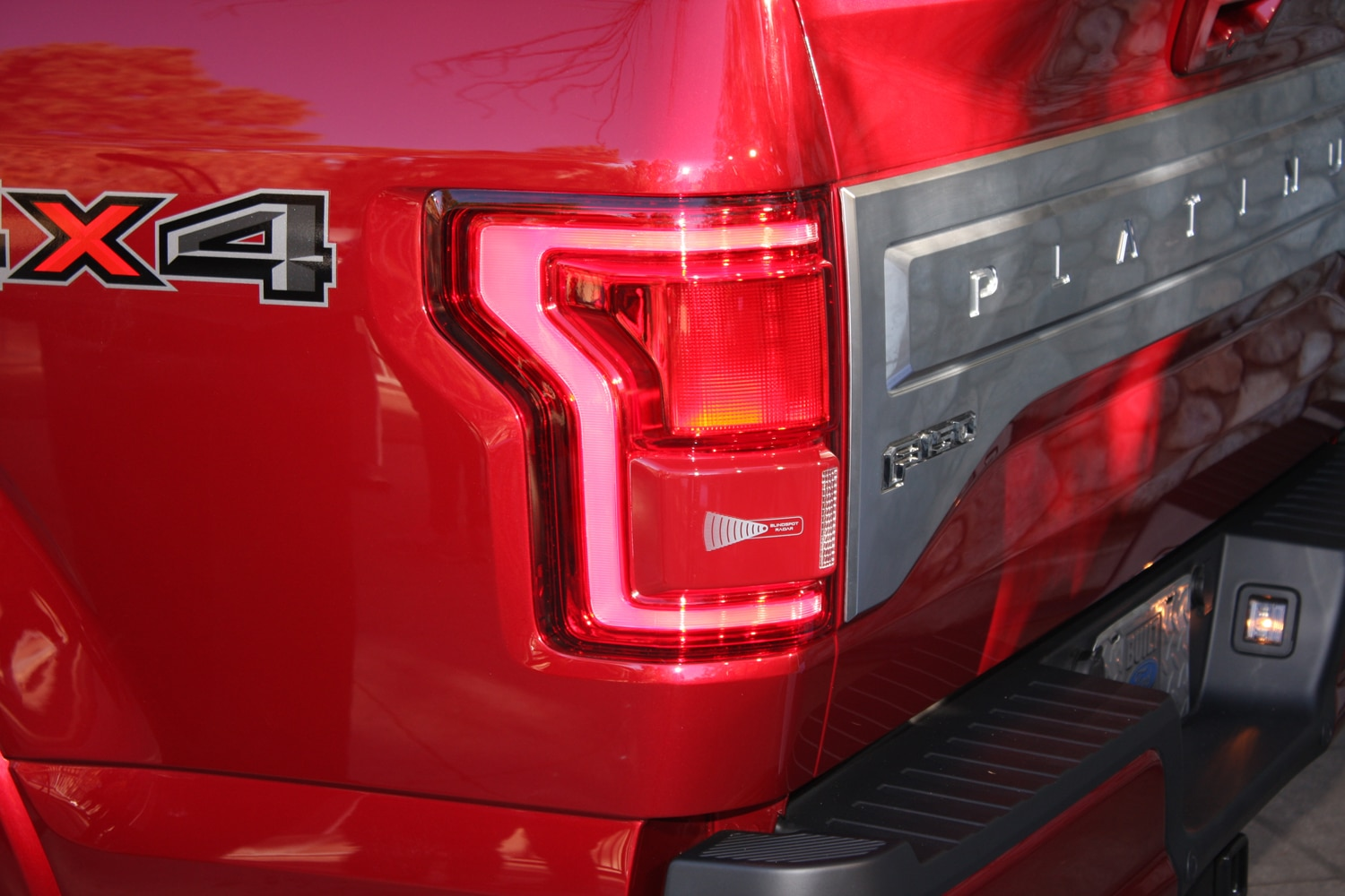 2015 Ford F150 unveiling la river 36 taillight