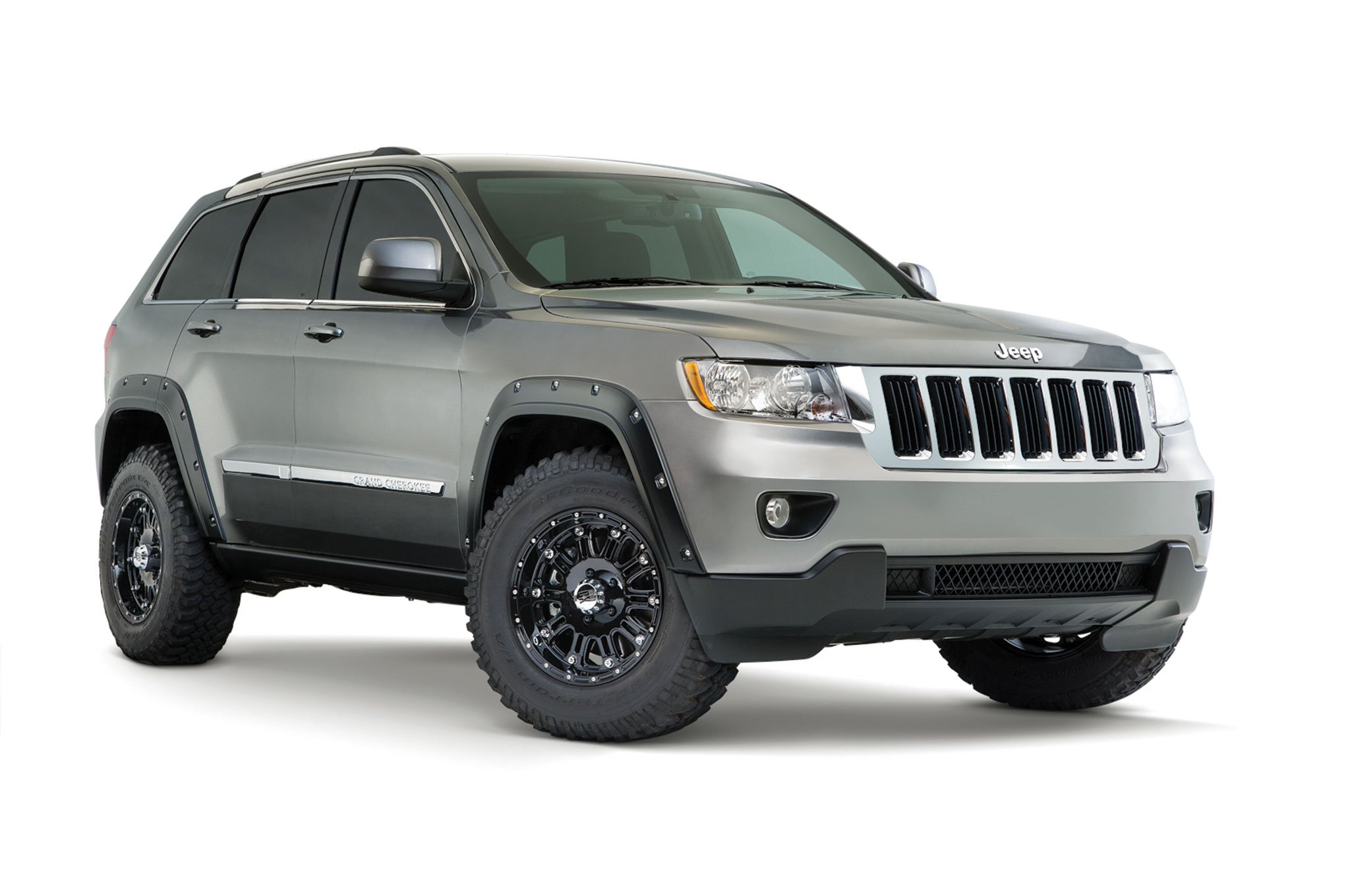 2014 jeep Grand Cherokee front three quarter