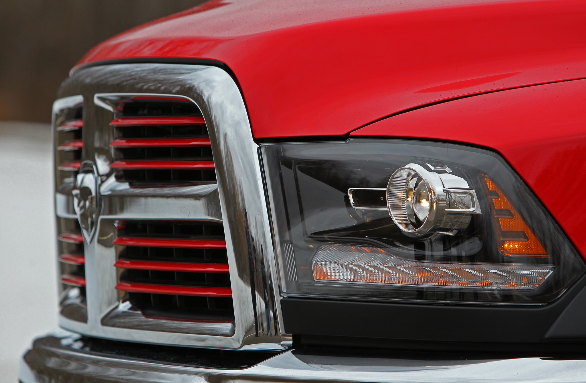 2014 Ram 2500 Power Wagon headlamps