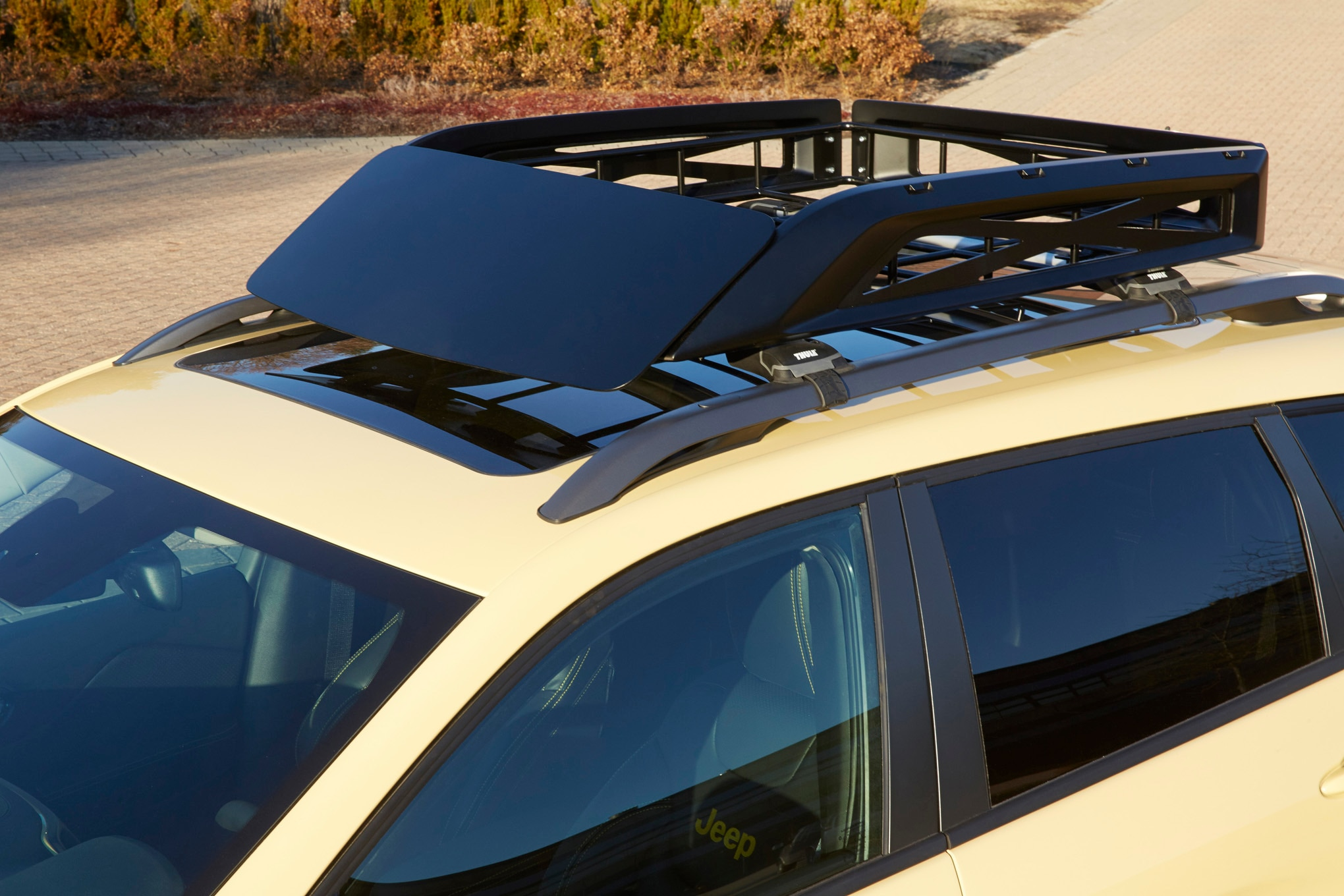 Jeep Cherokee Adventurer Concept roof rack