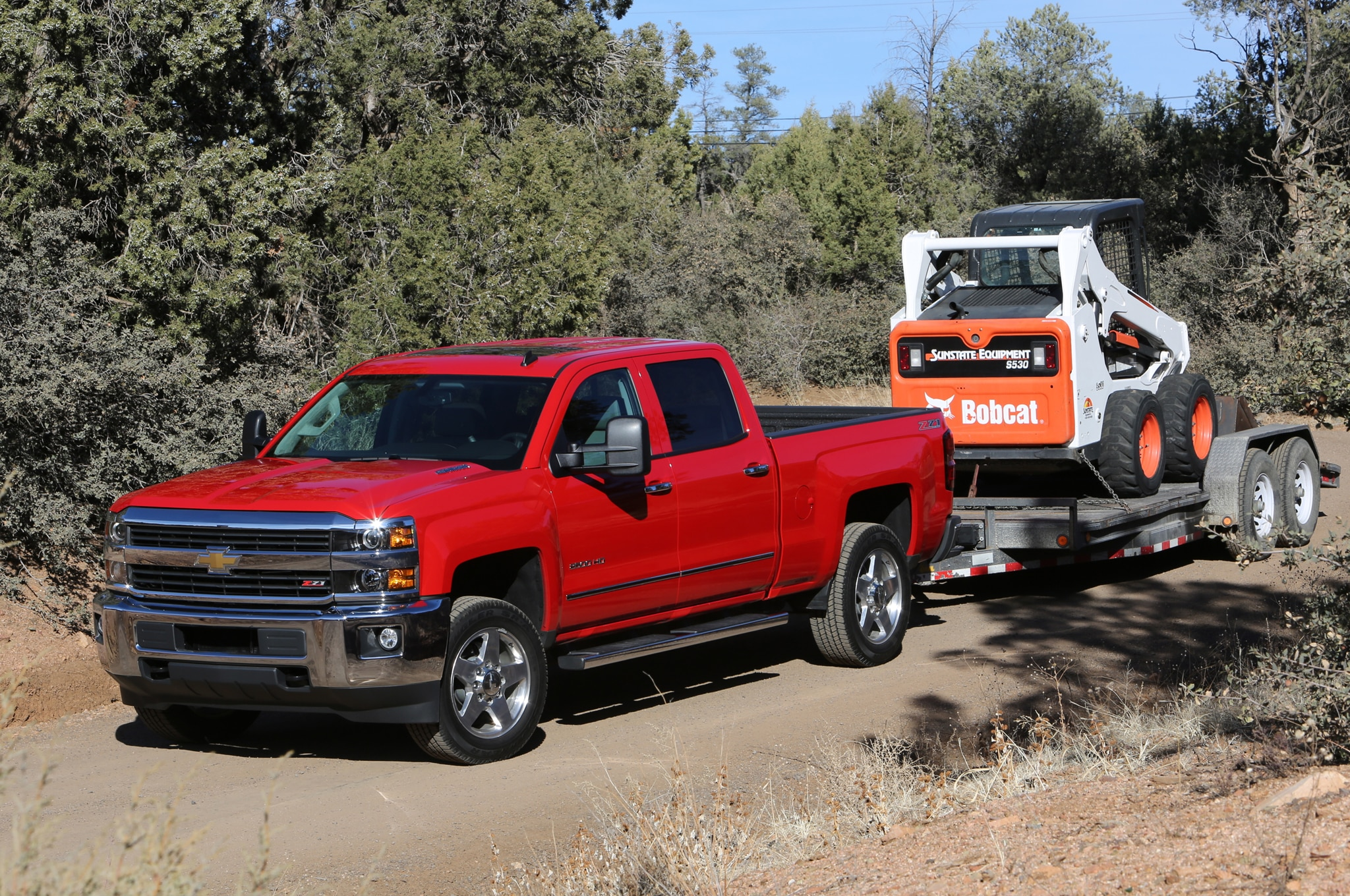2015 Chevrolet Silverado 2500HD LTZ front three quarters