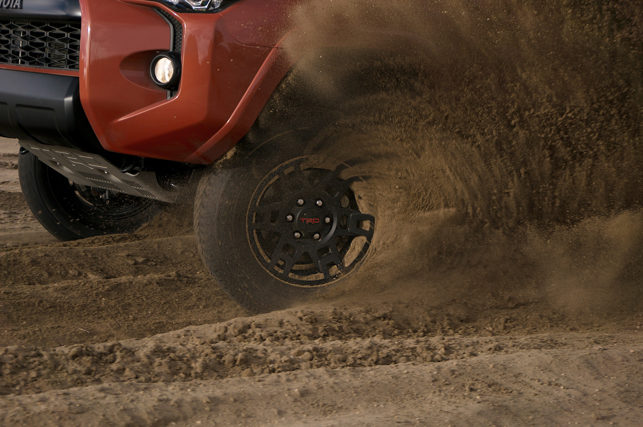2015 Toyota 4Runner TRD Pro wheel spinning