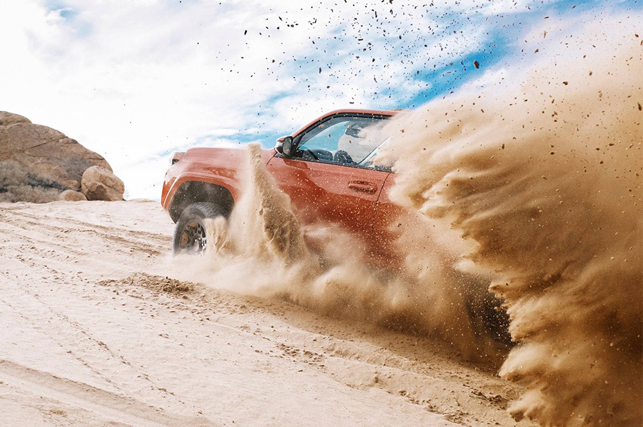 2015 Toyota 4Runner TRD Pro kicking up dirt