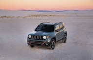 2015 Jeep Renegade top front three quarter