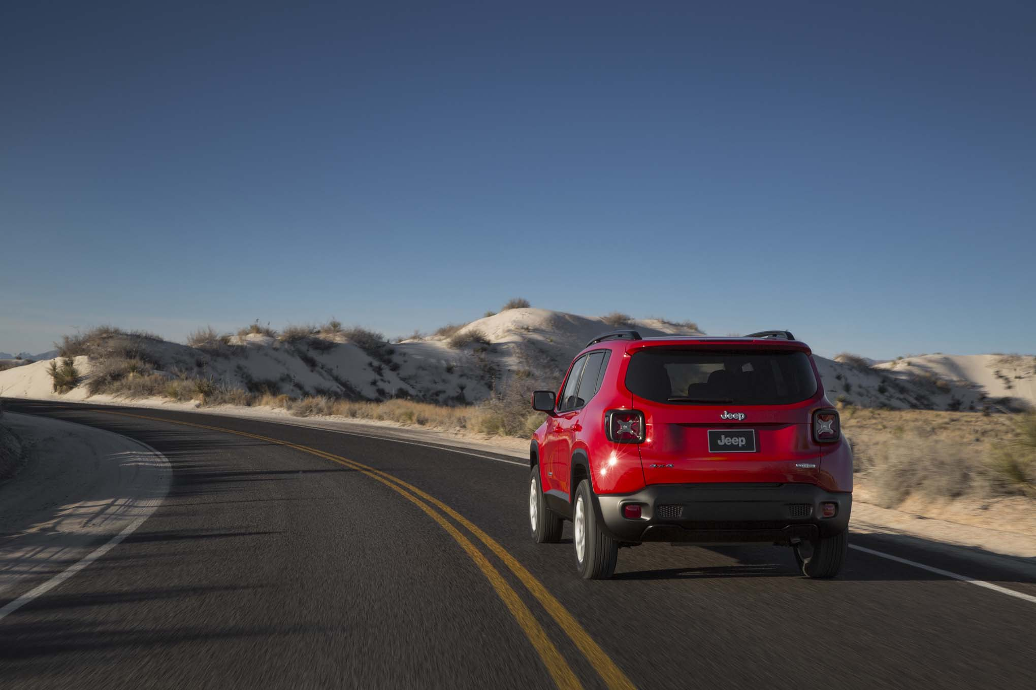 2015 Jeep Renegade Latitude rear three quarter turn