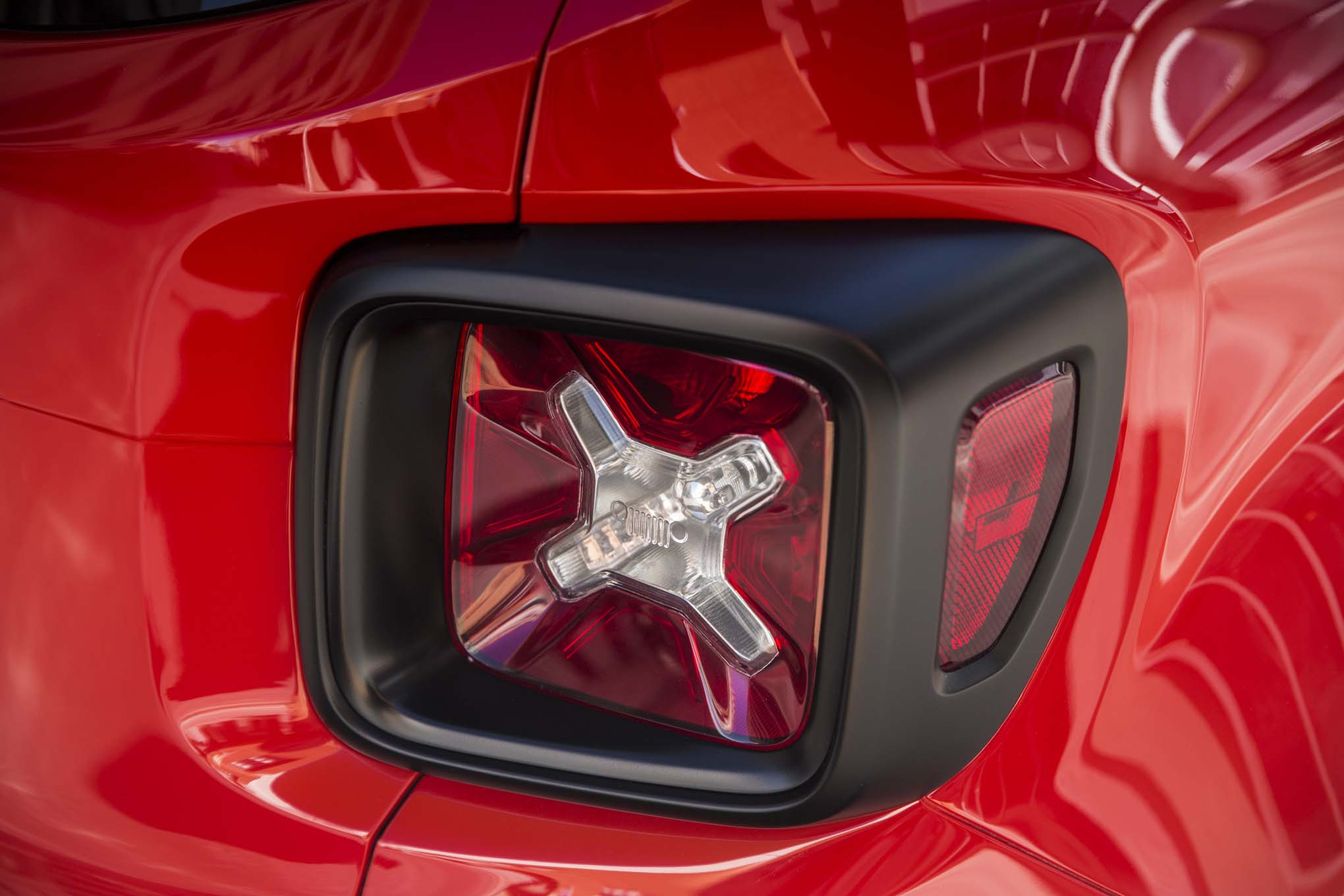 2015 Jeep Renegade Latitude taillight