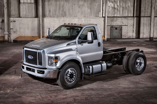 What Goes Into 2016 Ford F-650 & F-750 Durability Testing - Video