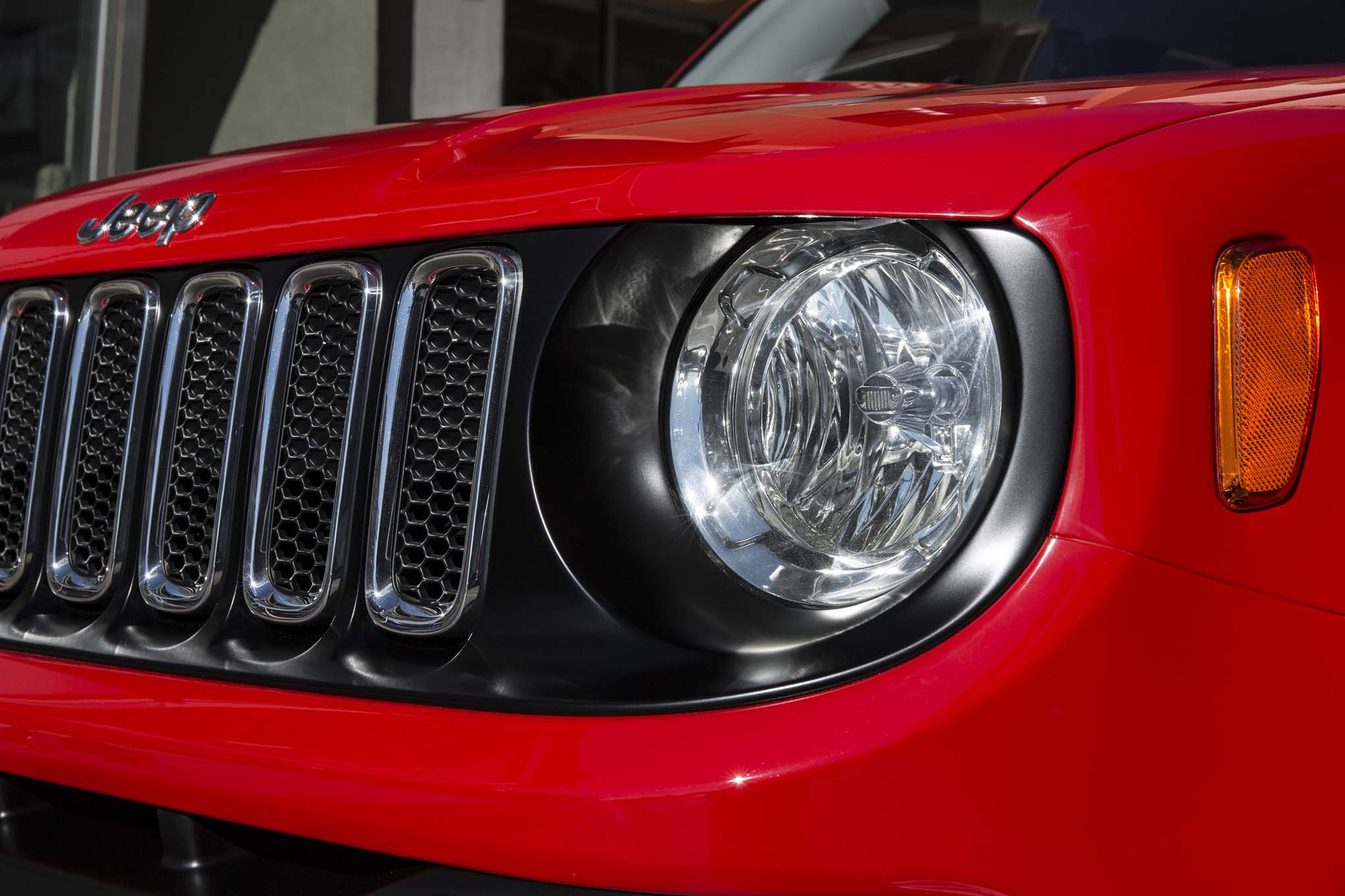 2015 Jeep Renegade Lattitude headlamp