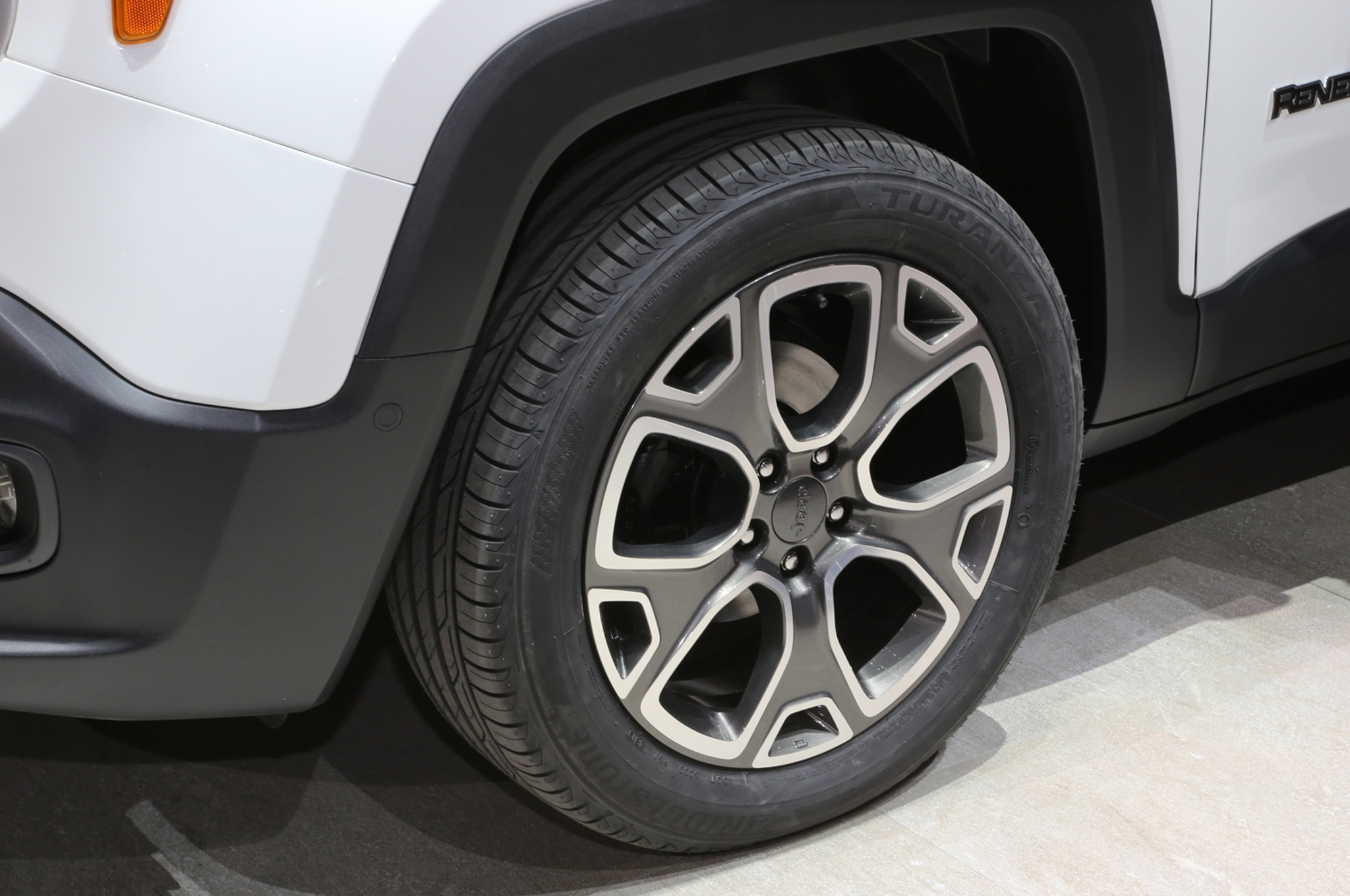 2015 Jeep Renegade Limited wheel