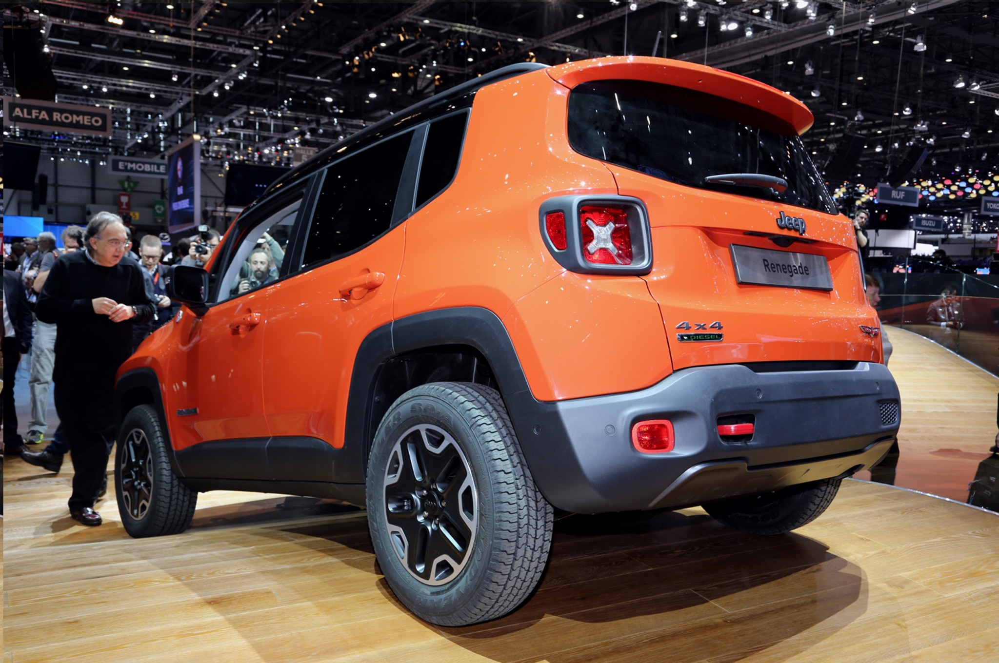 2015 Jeep Renegade Trailhawk show floor rear side view from drivers