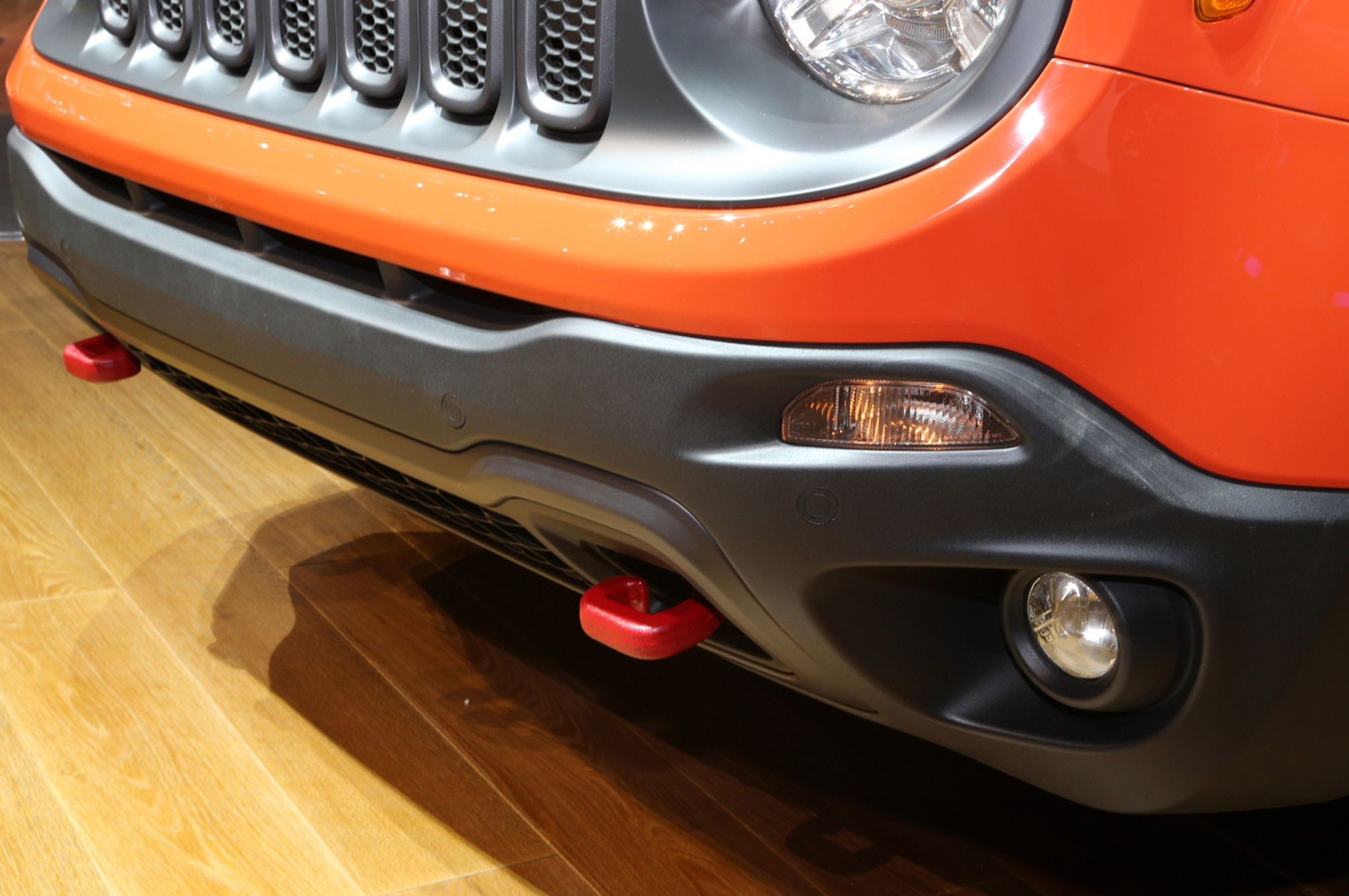 2015 Jeep Renegade Trailhawk show floor