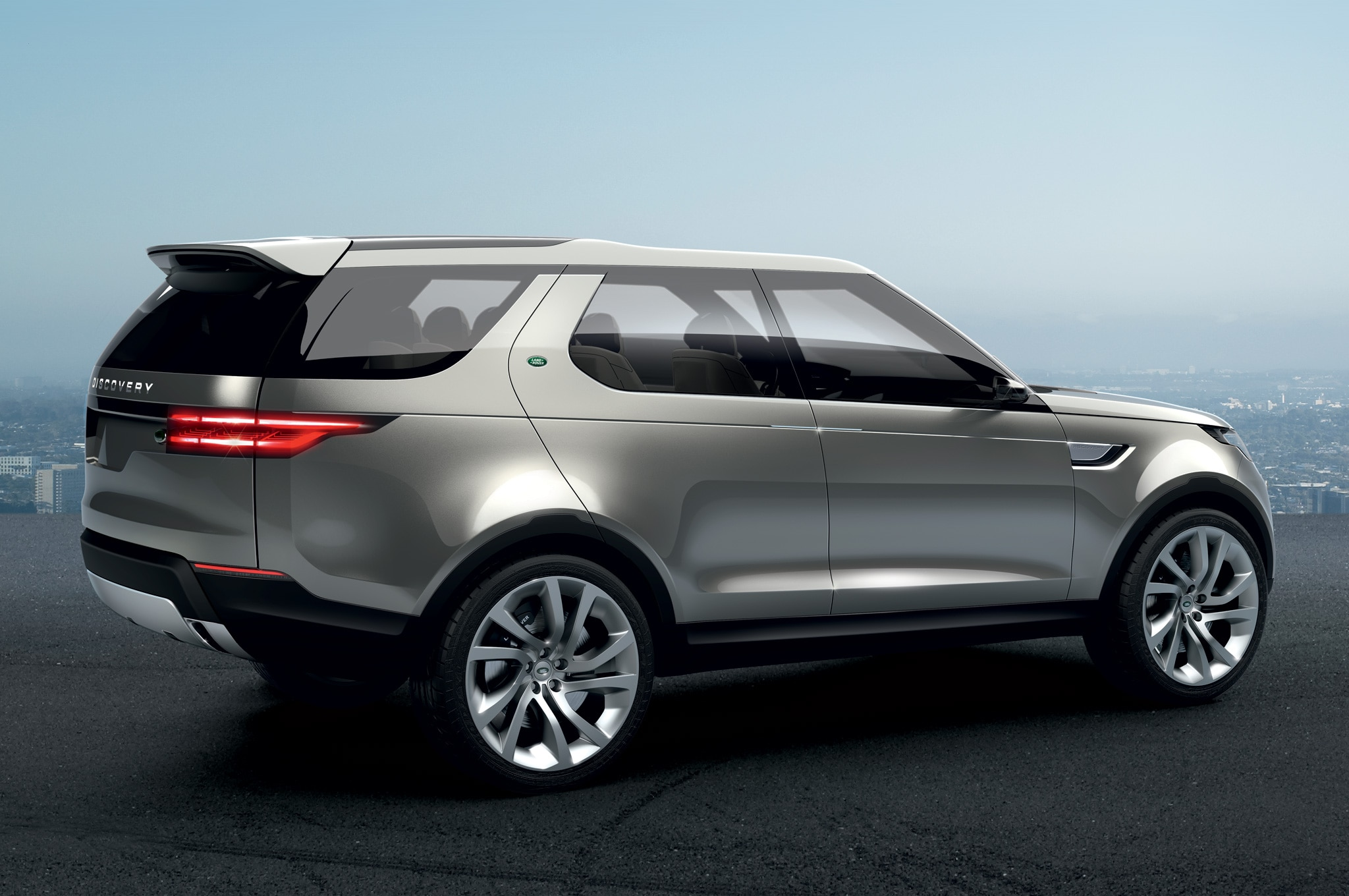 Land Rover Discovery Vision Concept rear side view