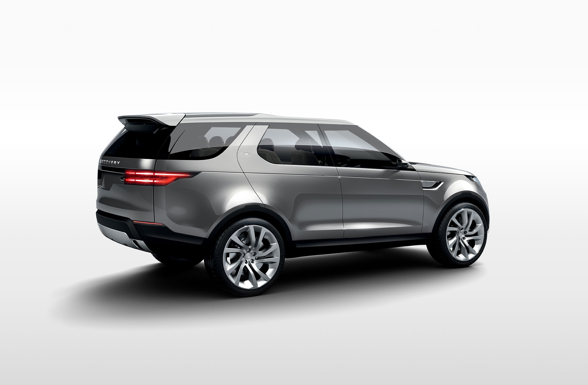 land rover discovery concept passenger side rear quarter view 14