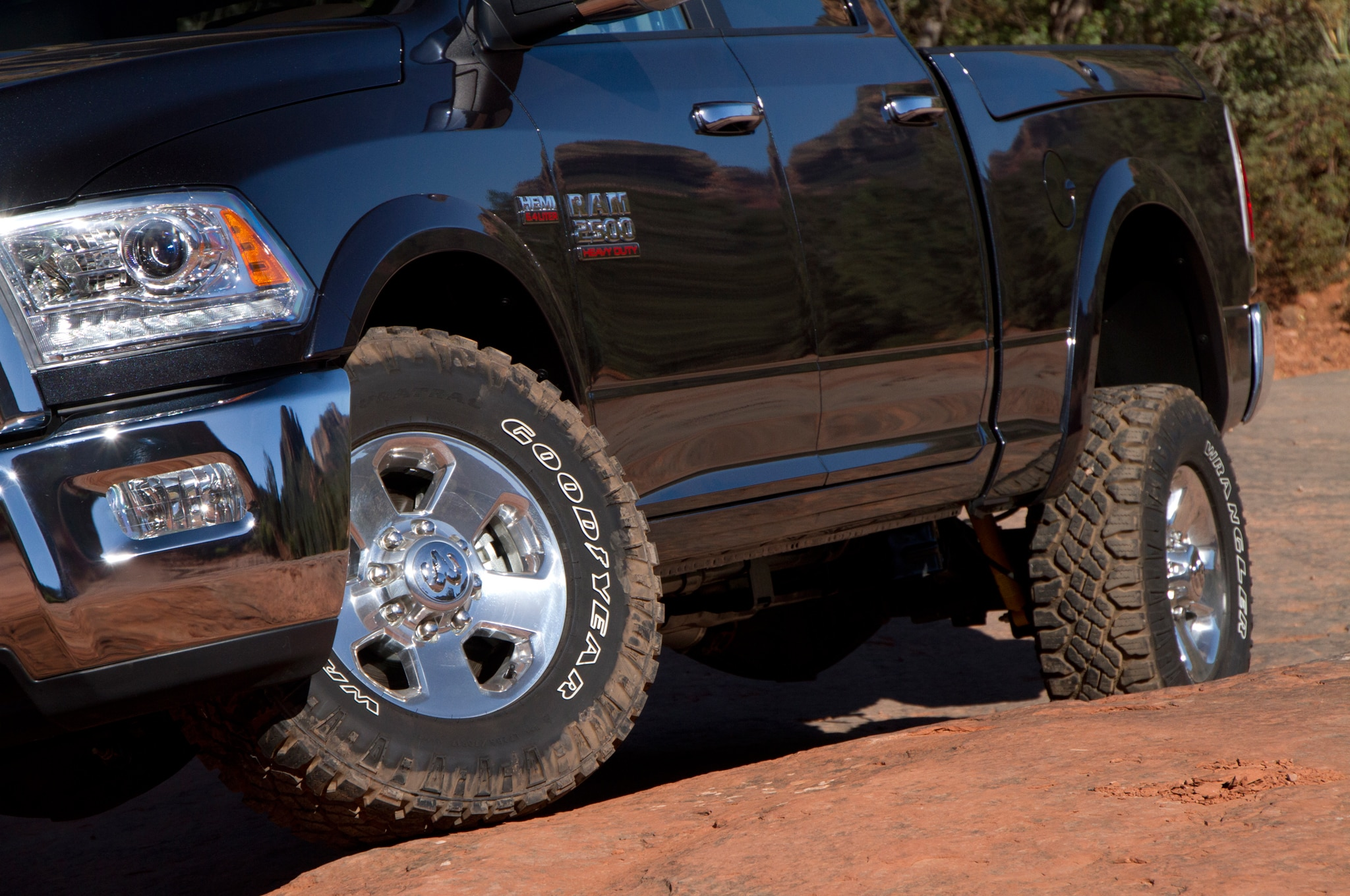 2014 Ram 2500 Power Wagon wheels 02
