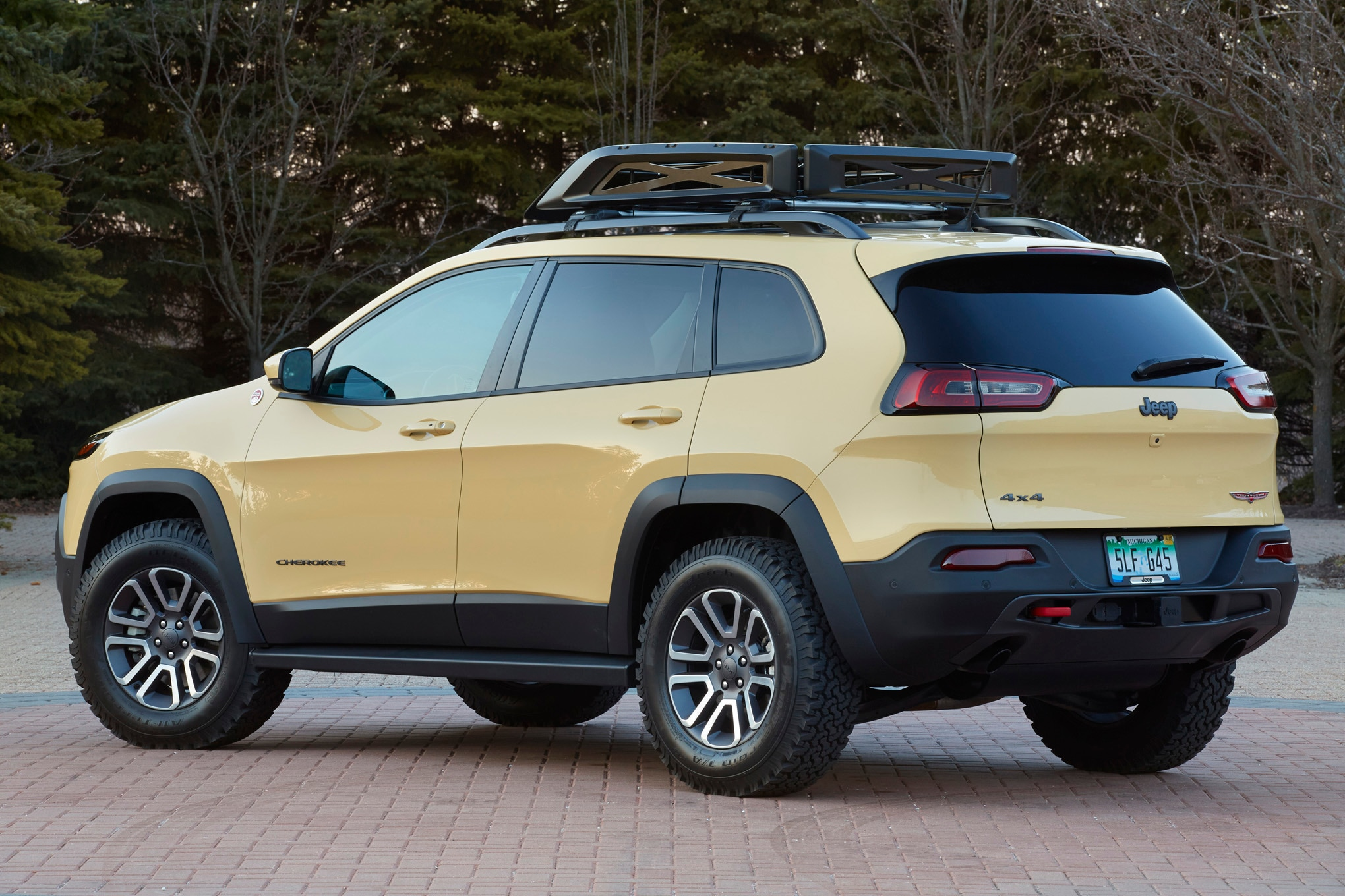 Jeep Cherokee Adventurer Concept rear three quarters