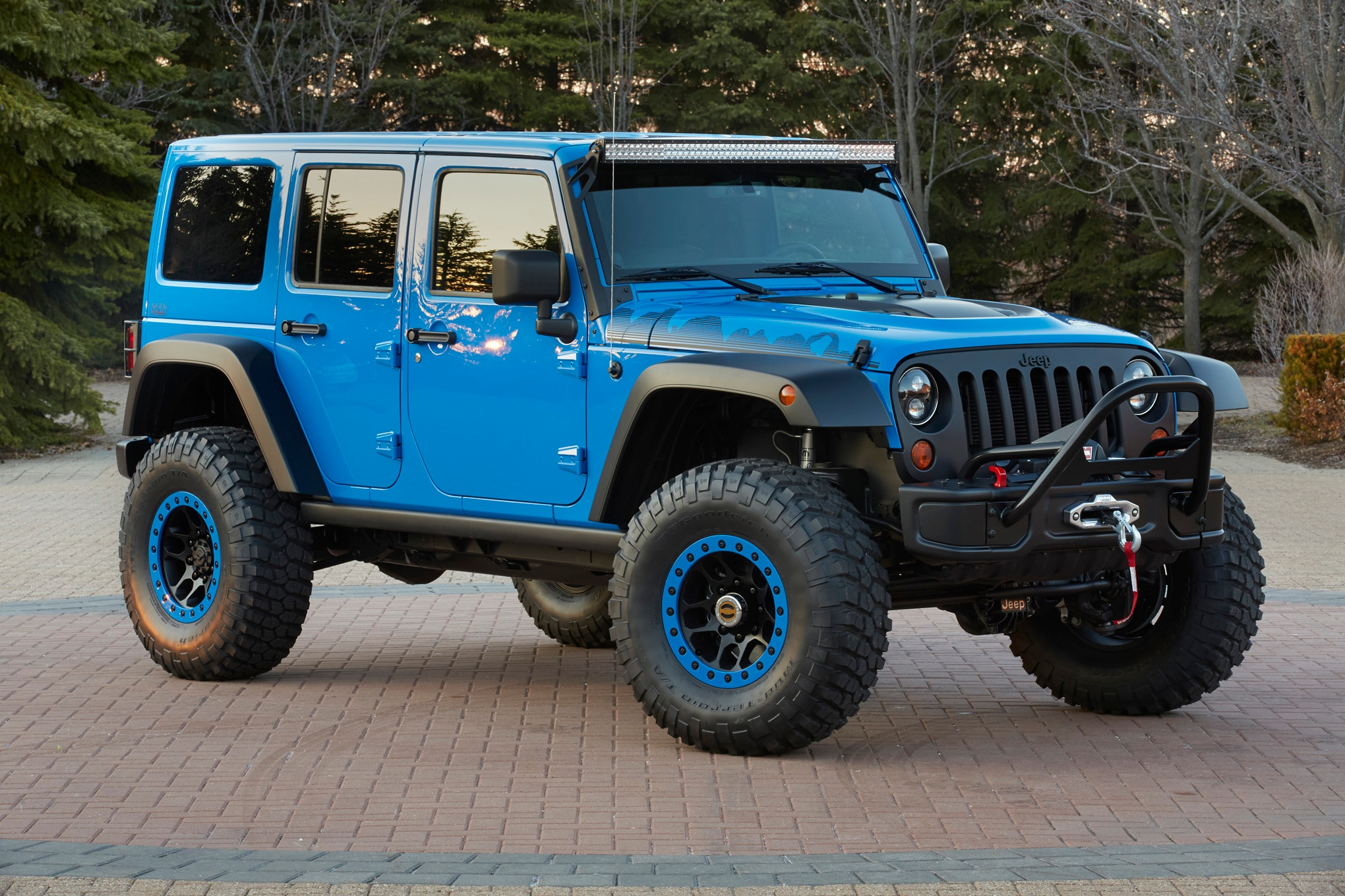 Jeep Wrangler Maximum Performance Concept front three quarters