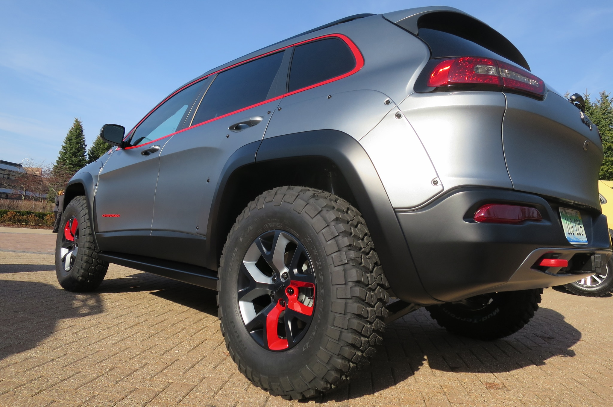 Jeep Cherokee Dakar Concept rear three quarters