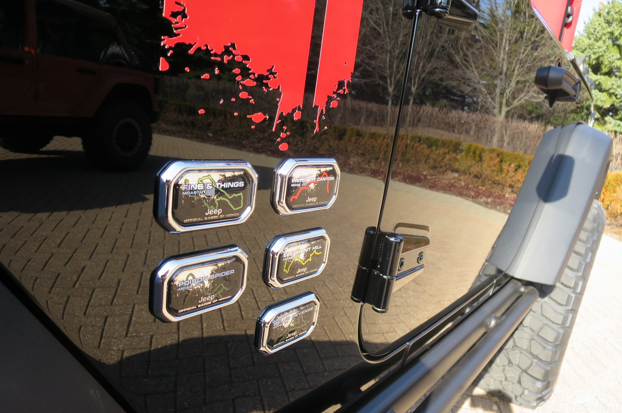 Jeep Wrangler Level Red Concept rear badges