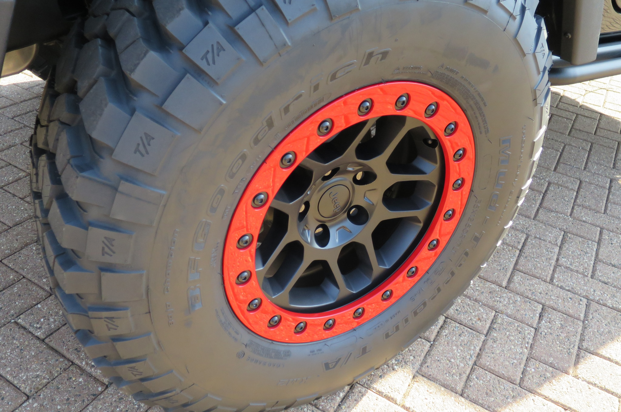 Jeep Wrangler Level Red Concept wheels 02