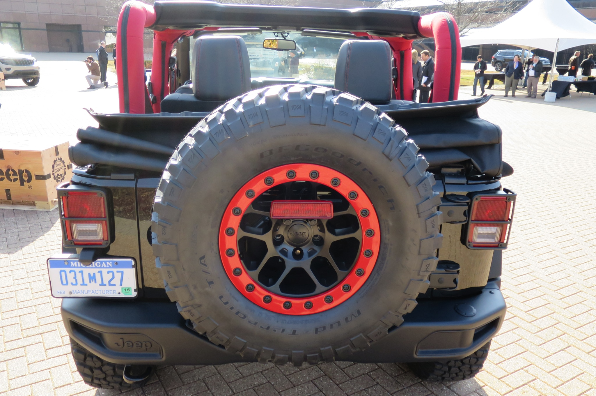 Jeep Wrangler Level Red Concept spare tire