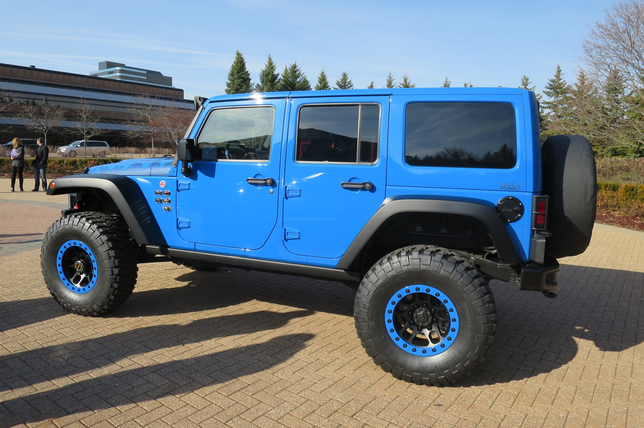 Jeep Wrangler Maximum Performance Concept rear three quarters