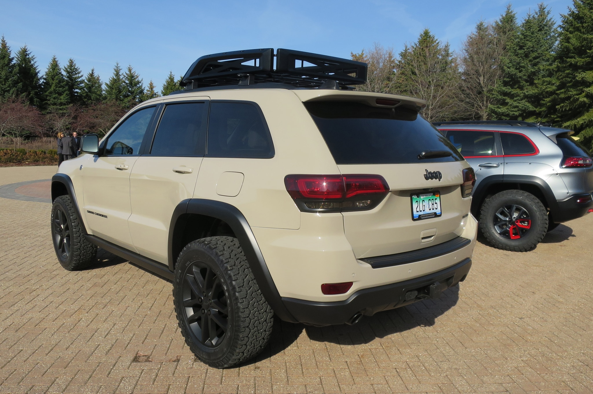 Jeep Grand Cherokee EcoDiesel Trail Warrior Concept rear three quarter