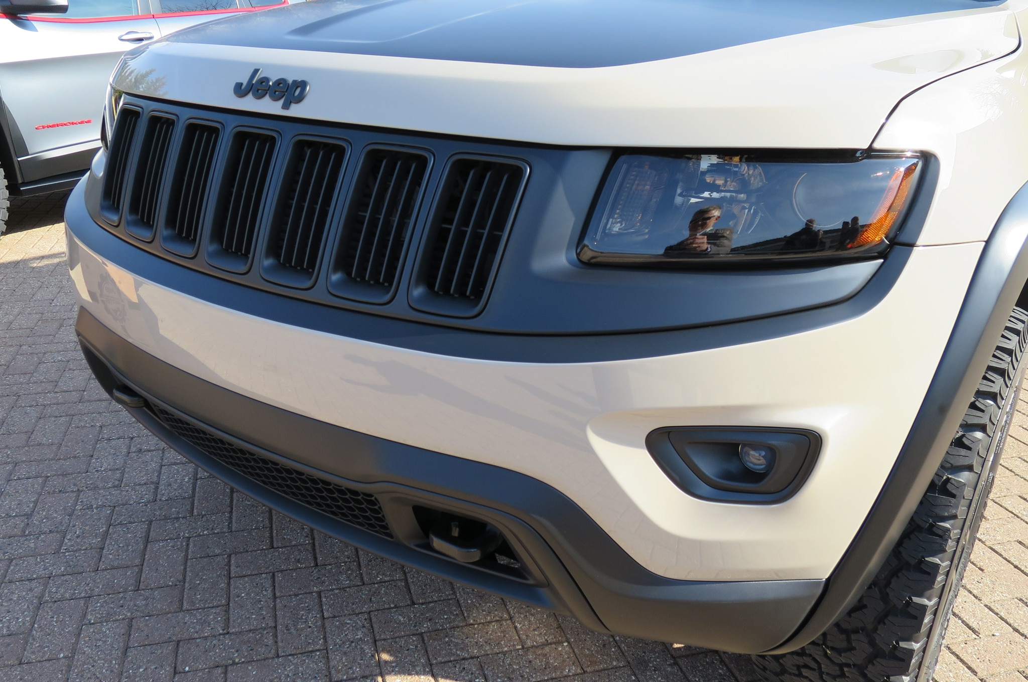 Jeep Grand Cherokee EcoDiesel Trail Warrior Concept front grille