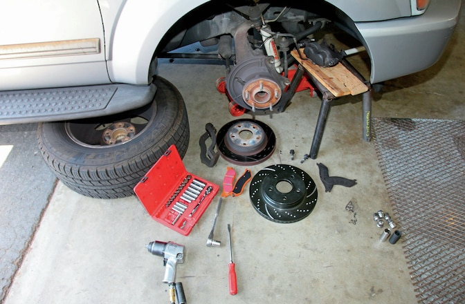 2004 Dodge Durango EBC Brake Upgrade - Hauling Down