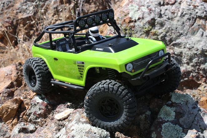 Axial SCX10 Deadbolt Review
