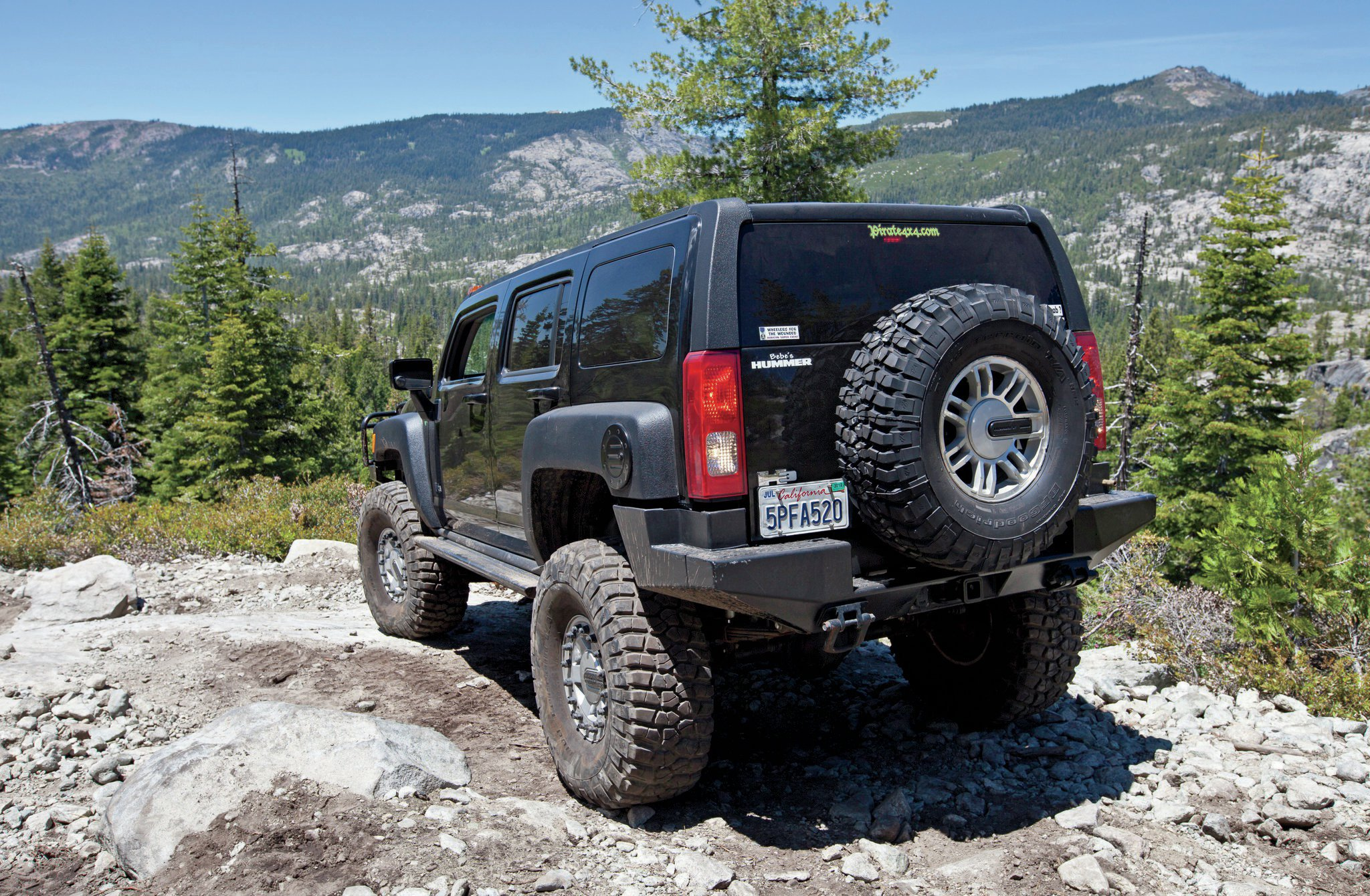 2006 Hummer H3 rear three quarter
