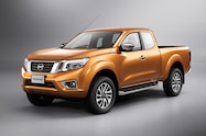 Nissan NP300 Navara 12th gen King Cab front side view
