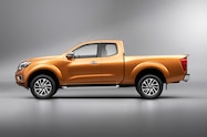Nissan NP300 Navara 12th gen King Cab side view studio