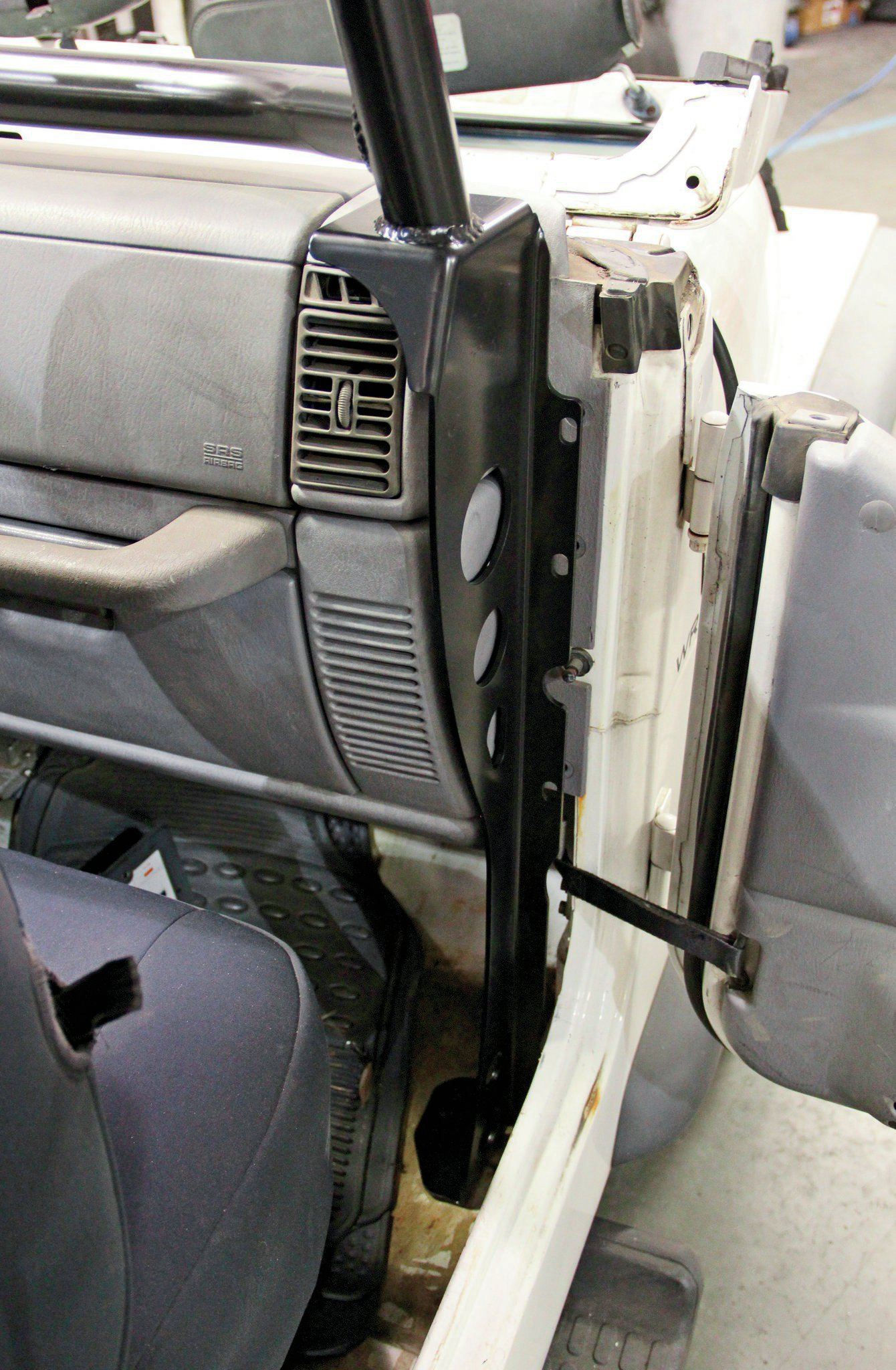 dash side rollcage legs