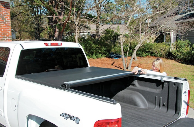 Bestop EZ Roll Tonneau Cover Install - Form & Function