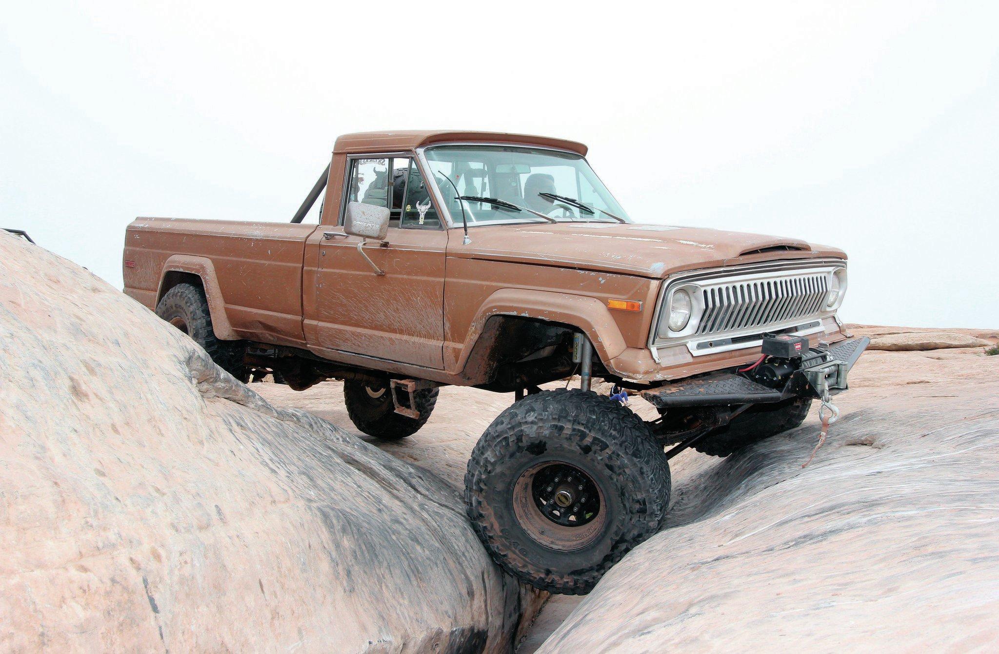 1973 Jeep J Truck front three quarter