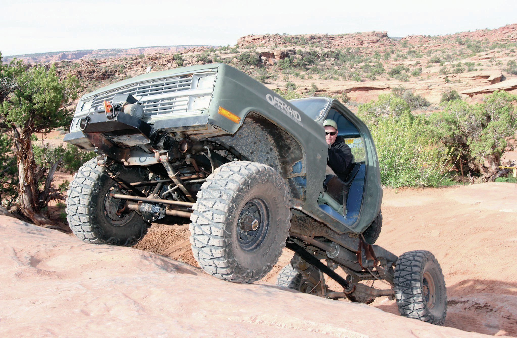 Every time we see this K20, it's losing more weight. This time, the doors are gone. It's owned by Dan Merrill and sports a 6.2L diesel engine. Given that Dan's K20 is still sporting the factory Dana 44 front axle, losing weight is most definitely a good idea.