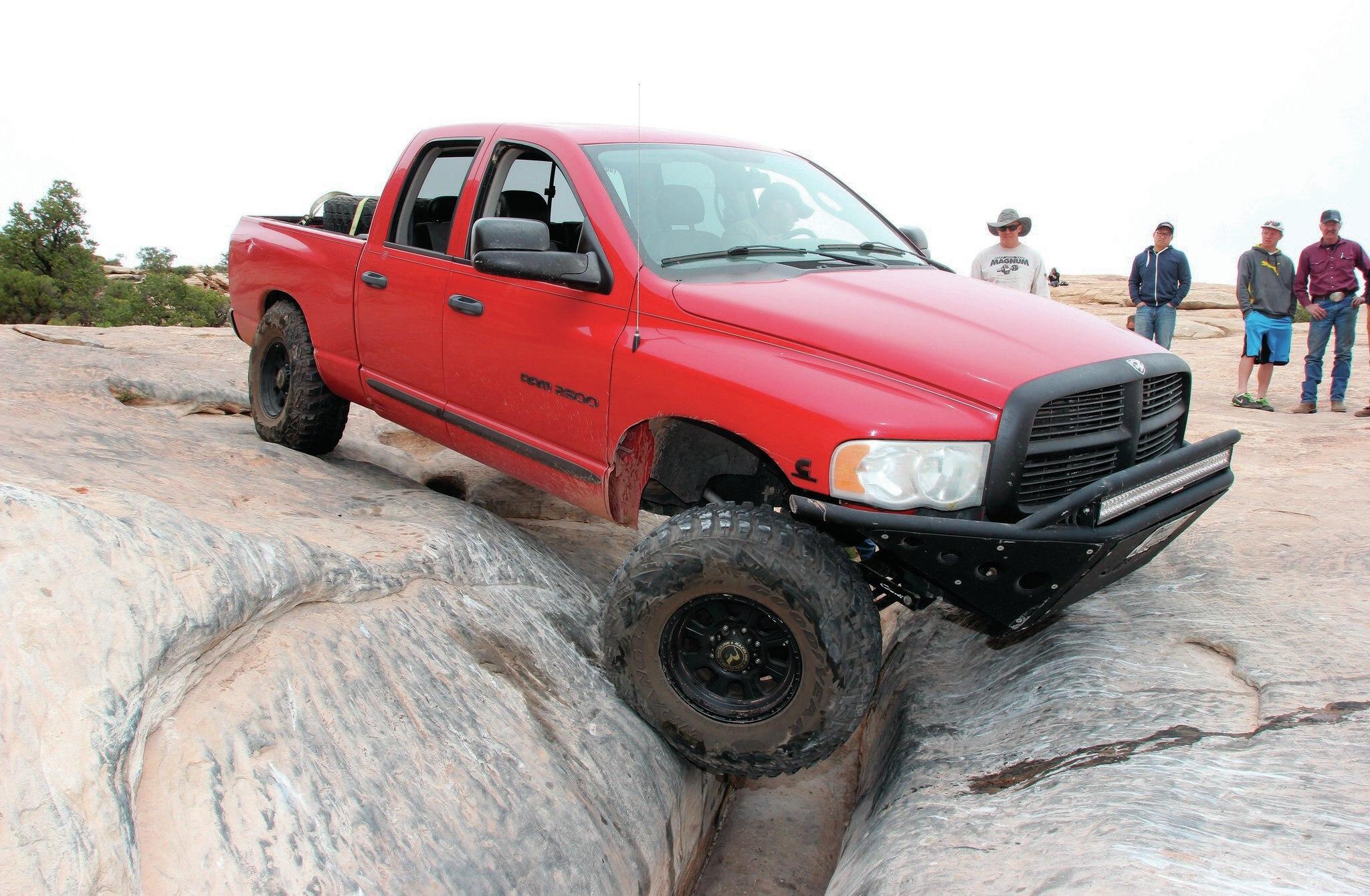Dodge Ram 2500 front three quarter