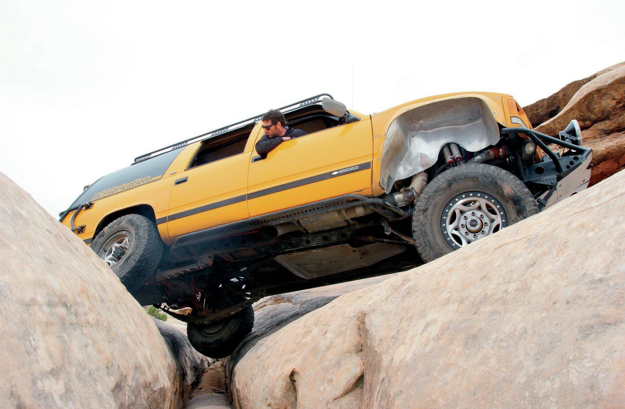 1992 Chevrolet Suburban underneath view