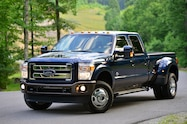 2015 Ford F 350 Super Duty King Ranch front three quarter 02